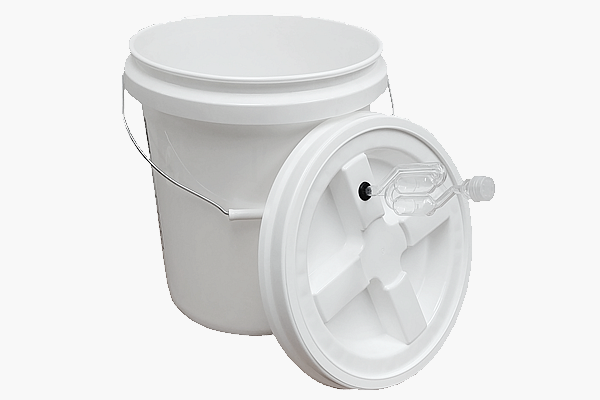 5 Gallon Fermenting Bucket With Airlock