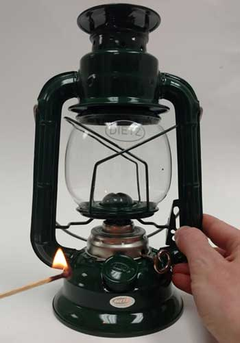 how do you light a lantern