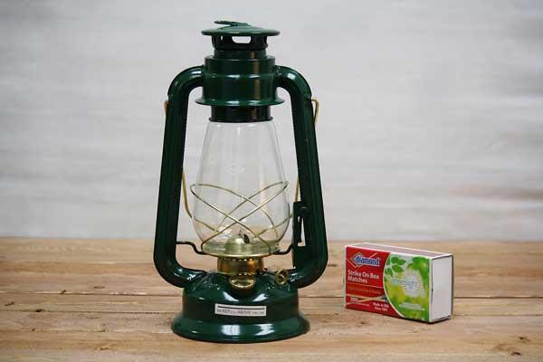 Good Hurricane Oil Lanterns